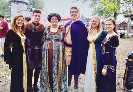 Renaissance festival gives Choir students theatrical experience